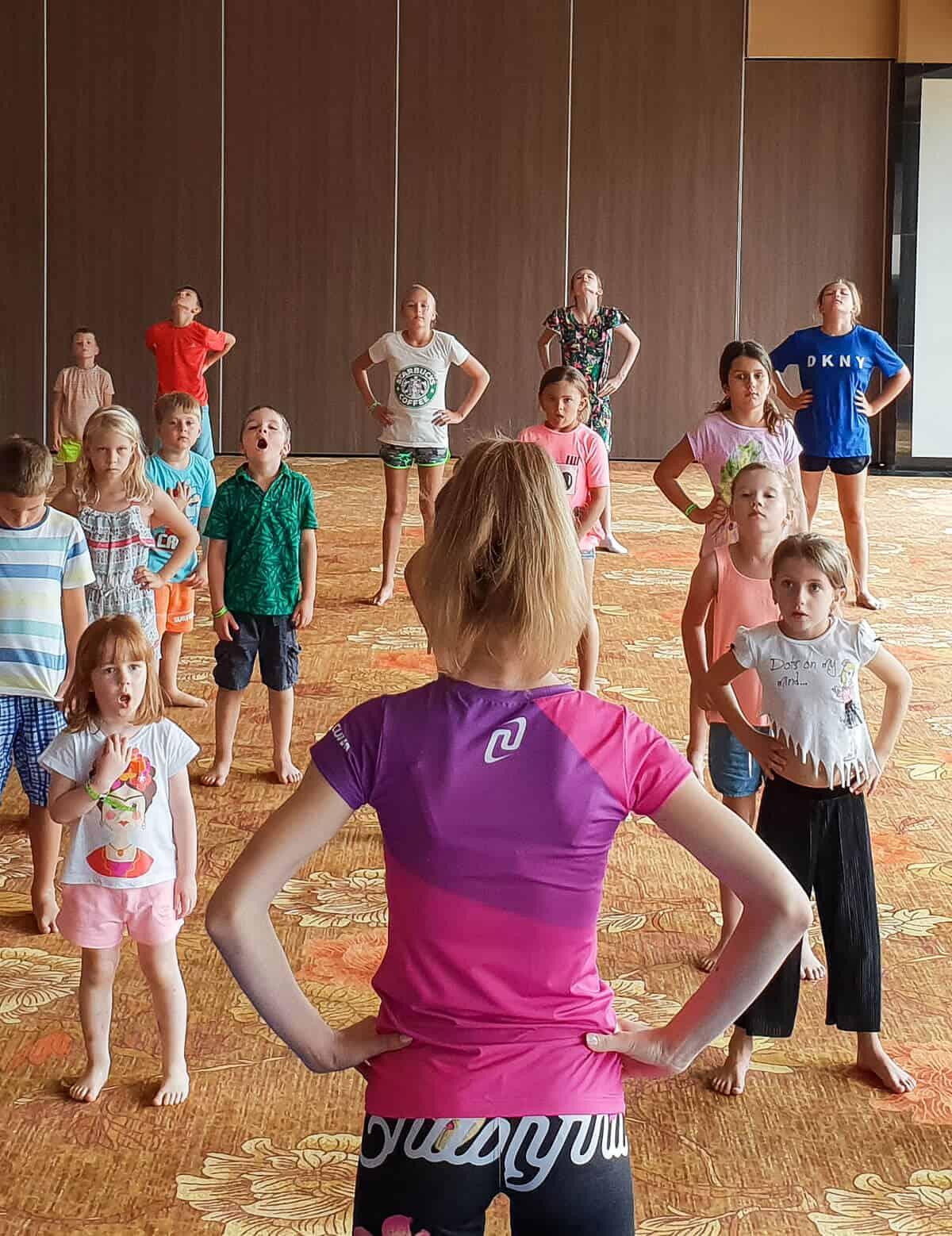 warsztaty dla dzieci z akrobatyki